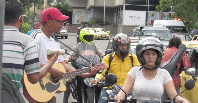 Músicos dedicados a la economía informal en Cúcuta