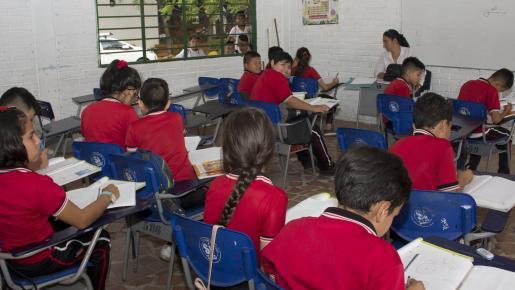 Niños venezolanos pueden matricularse con TMF y PEP.